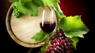 read-for-free-hq-red-wine-and-grapes_099082